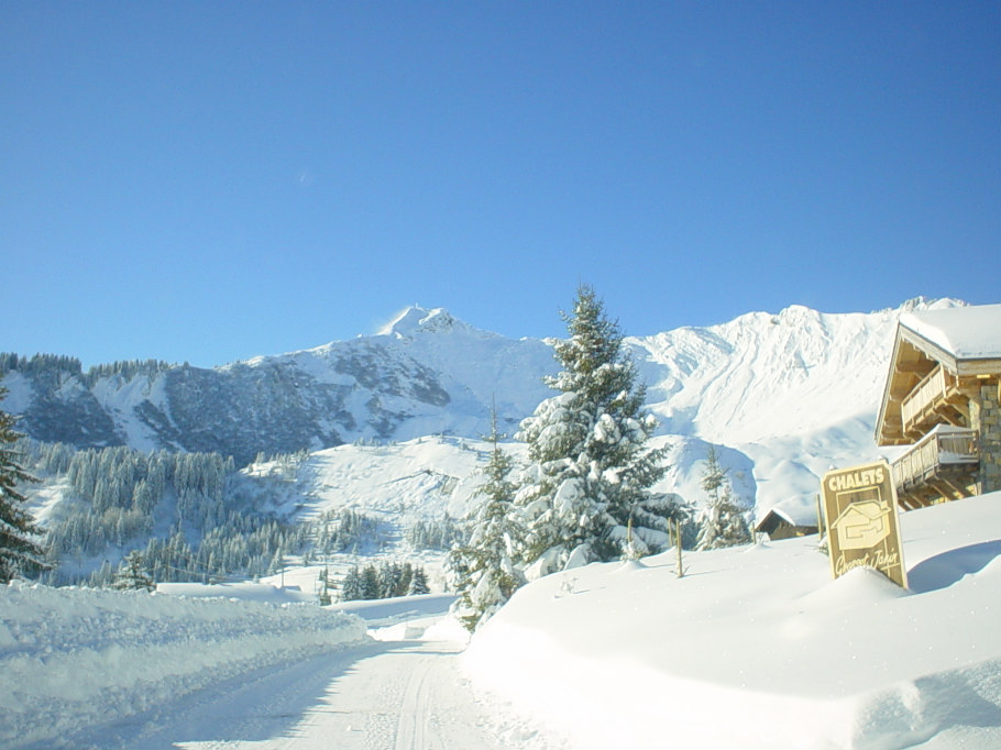 Chalet le raydan hiver neige